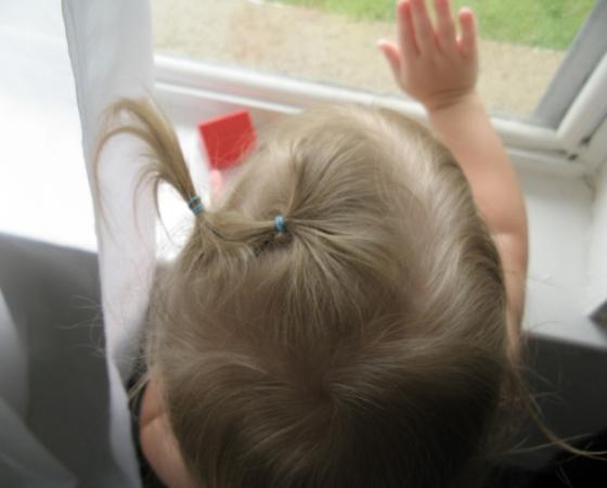toddler-looking-